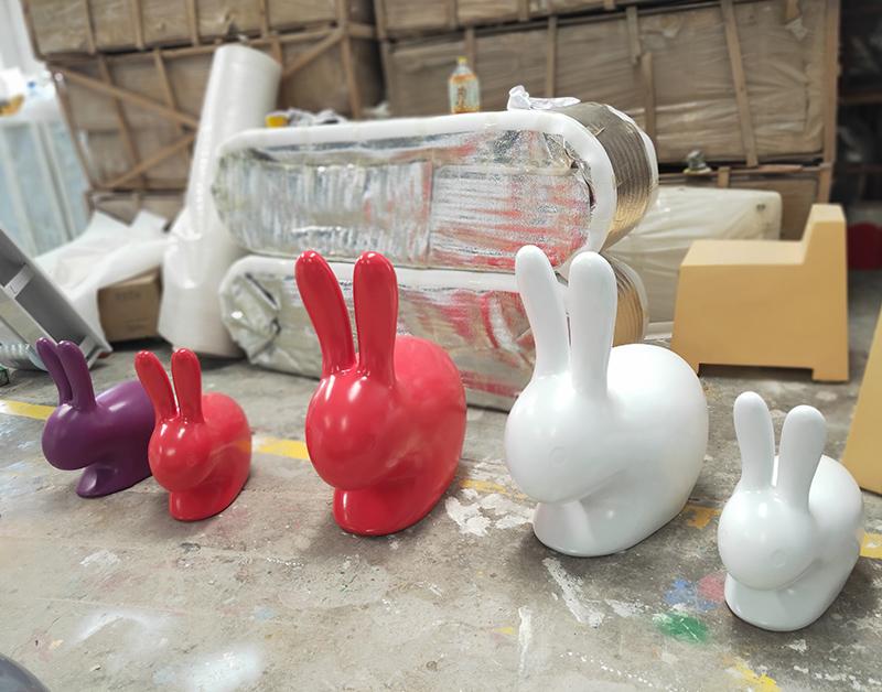 玻璃钢兔子坐凳7.jpg